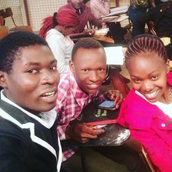 Kijana Mdogo Alexo  - Nipe Mda