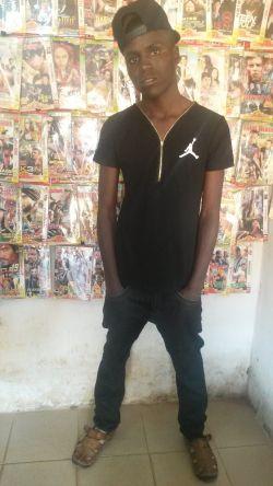 wizzle boy - majungu mtaani